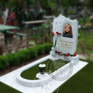 Мраморный памятник,  портрет фото на керамике 30*40 № 115 изготовлен и установлен в с. Белогородка Киевской обл.
